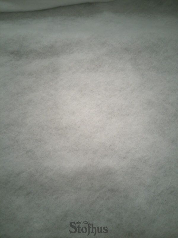Pladevat / quiltevat 100 grams Polyester